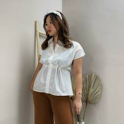 feelin' good like I should in White Renu top , how will you see yourself today?